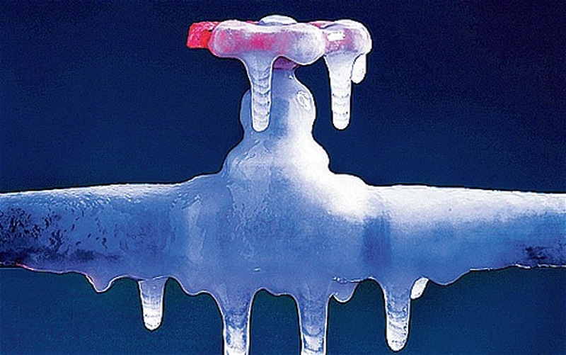 How to Prevent Frozen Pipes and Plumbing Problems This Winter